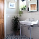 Woodquest Ave / Second Bathroom