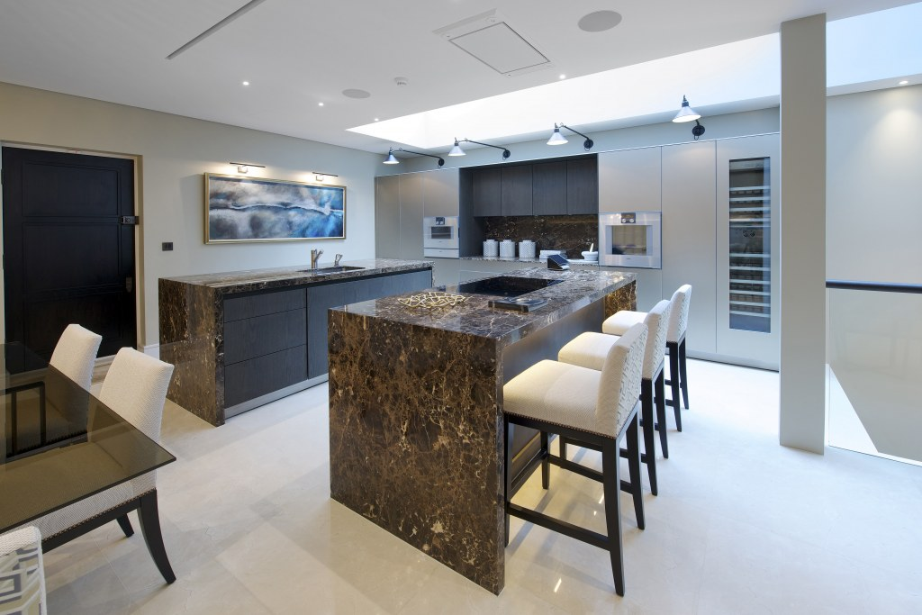 Chelsea Townhouse / Dining & Kitchen Room