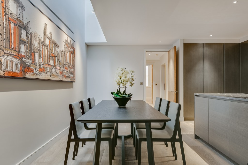 Kensington Townhouse / Dining Room