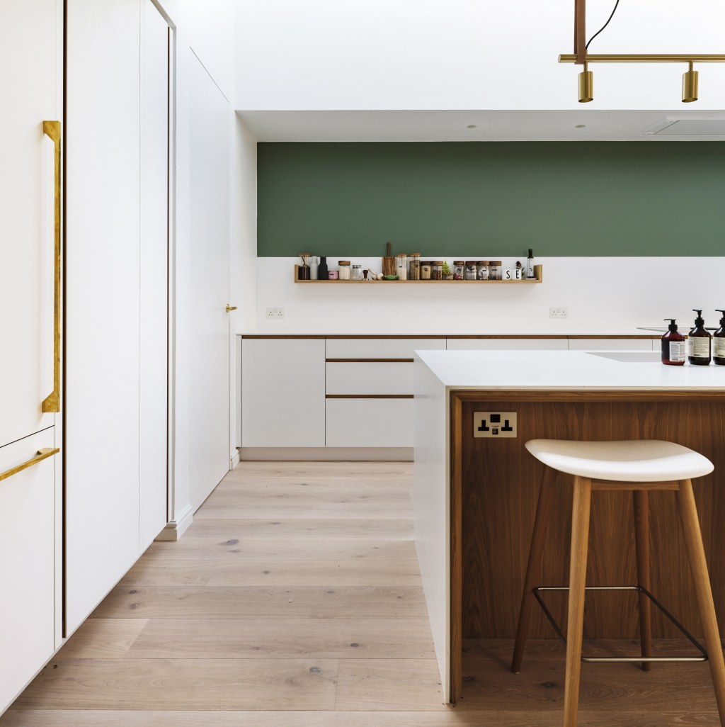 Ilford Family Home / New bespoke kitchen