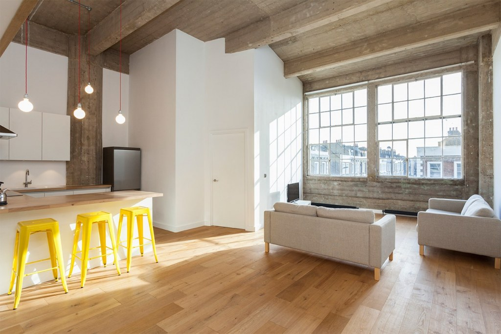Hackney flat conversion / Living area