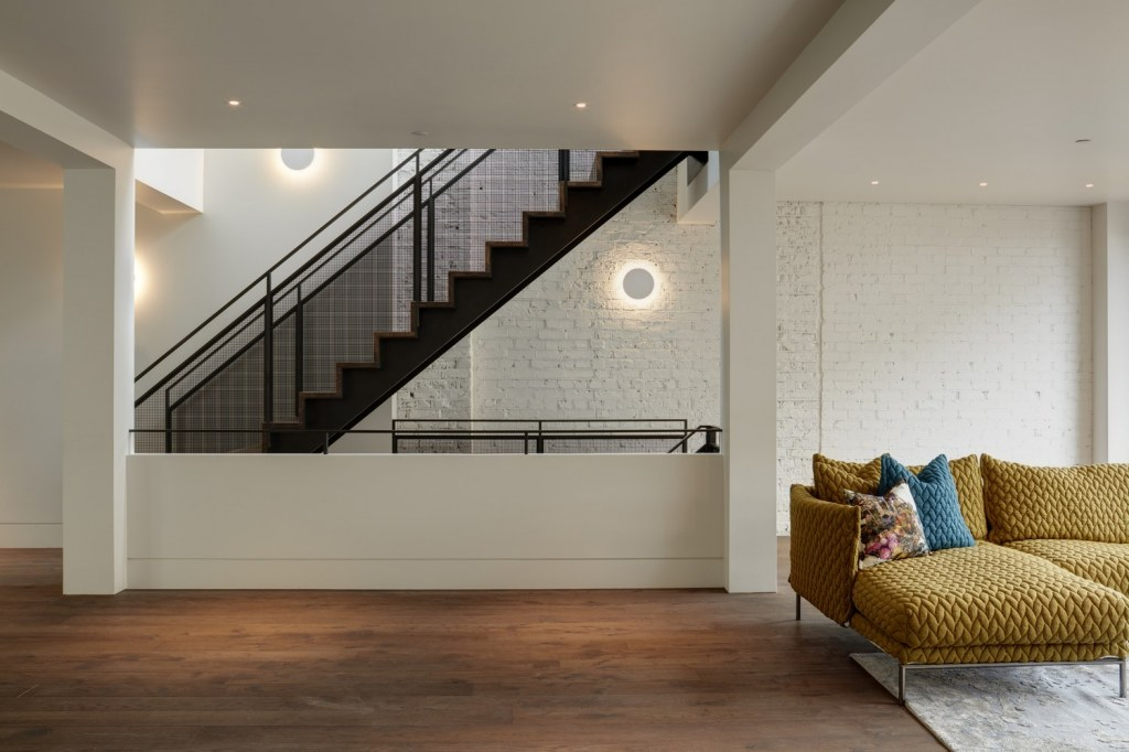 Pear Tree House / Staircase