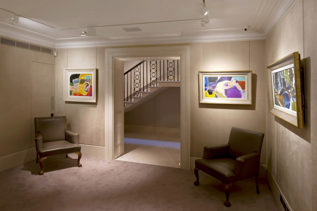 New gallery for Richard Green, Bond Street / Interior of the gallery