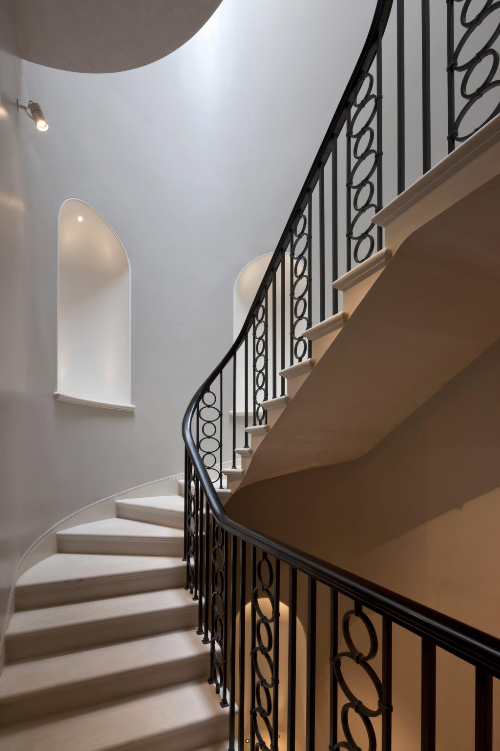 New gallery for Richard Green, Bond Street / Stairs