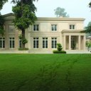 Modern Classical villa in New Delhi / Main elevation