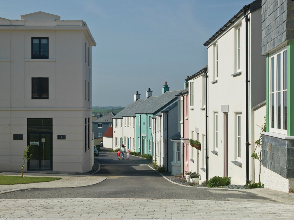 New housing development at Tregunnel Hill near Newquay / Street view