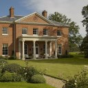 New Palladian Villa / View from the garden
