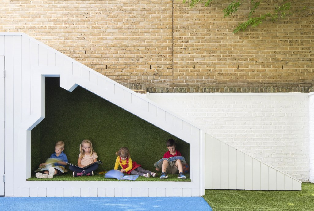 Bermondsey Community Nursery / BCN - Wendy House