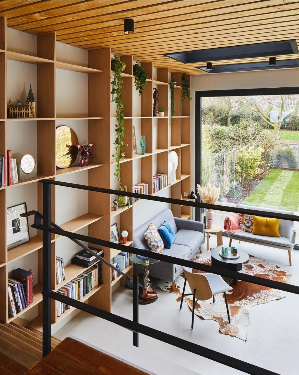 PRIVATE RESIDENCE - EAST LONDON / Bespoke joinery & large format glazing