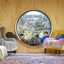 Damson Hill Cottage / Damson Hill Cottage- The Round Window