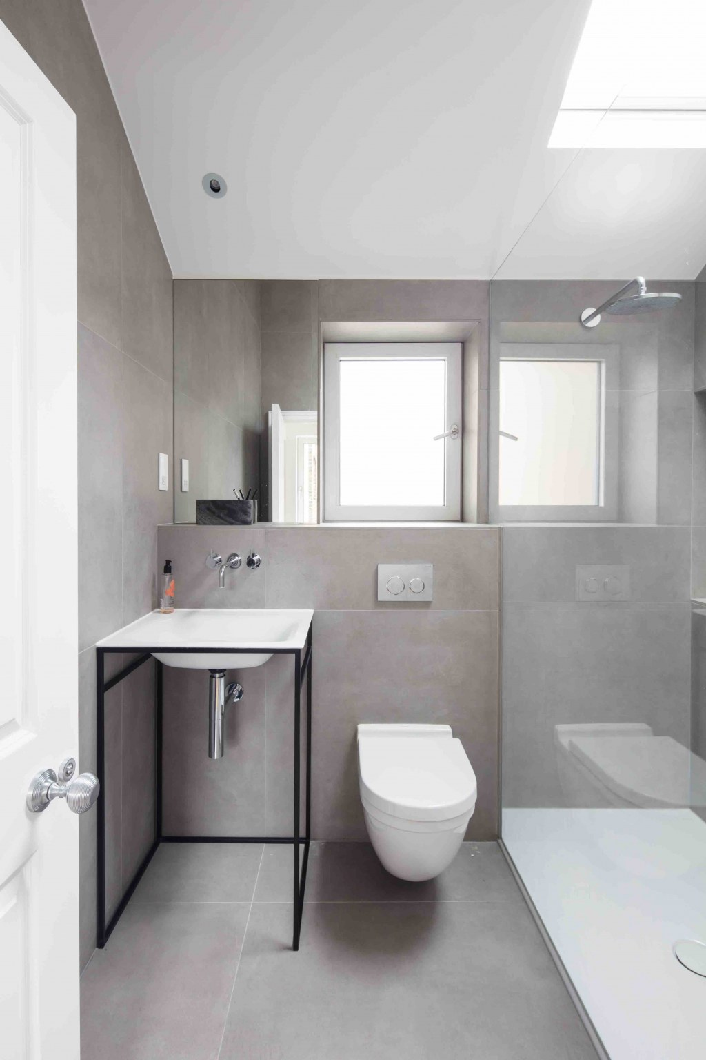 Ealing House / Bathroom