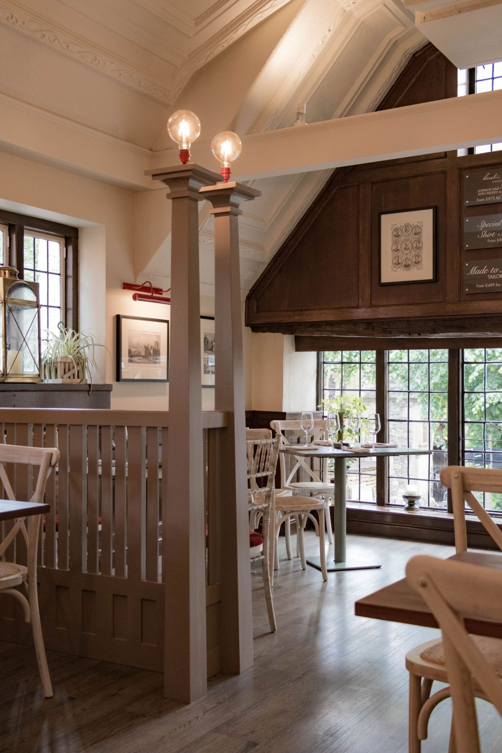 The Plough, Central Oxford / First floor bespoke joinery dividers, all in the Arts & Crafts style