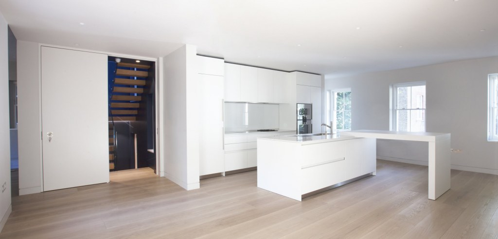 Kensington Apartment / Kitchen 03