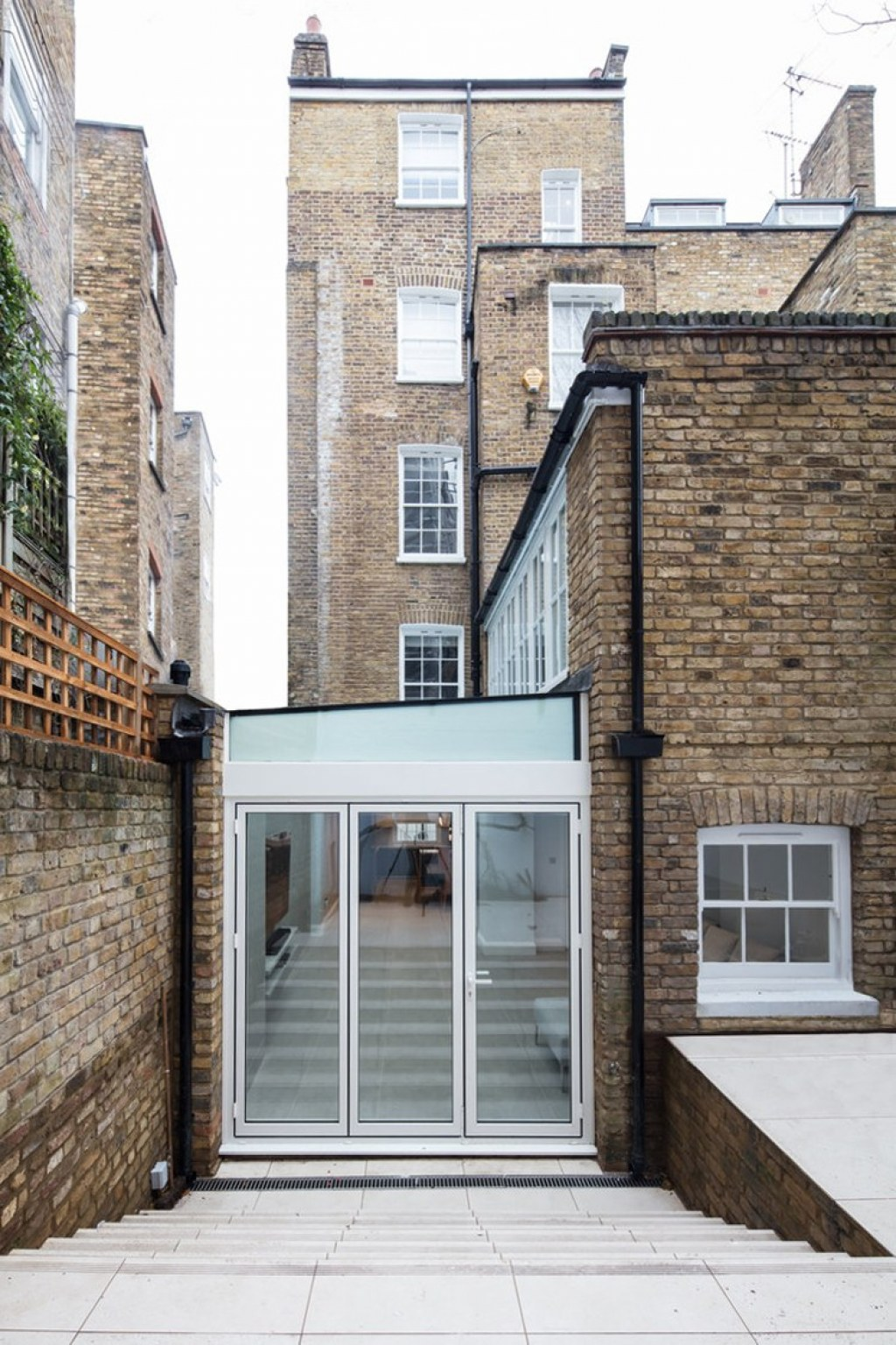 Knightsbridge Property / Rear