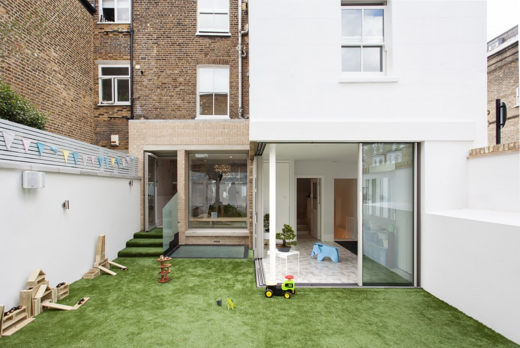 Parsons Green Nursery / PParsons Green - Rear extension and garden